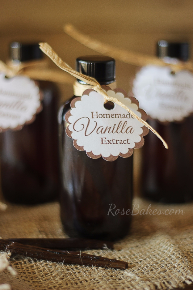 Best Baking Hacks - Homemade Vanilla Extract - DIY Cooking Tips and Tricks for Baking Recipes - Quick Ways to Bake Cake, Cupcakes, Desserts and Cookies - Kitchen Lifehacks for Bakers