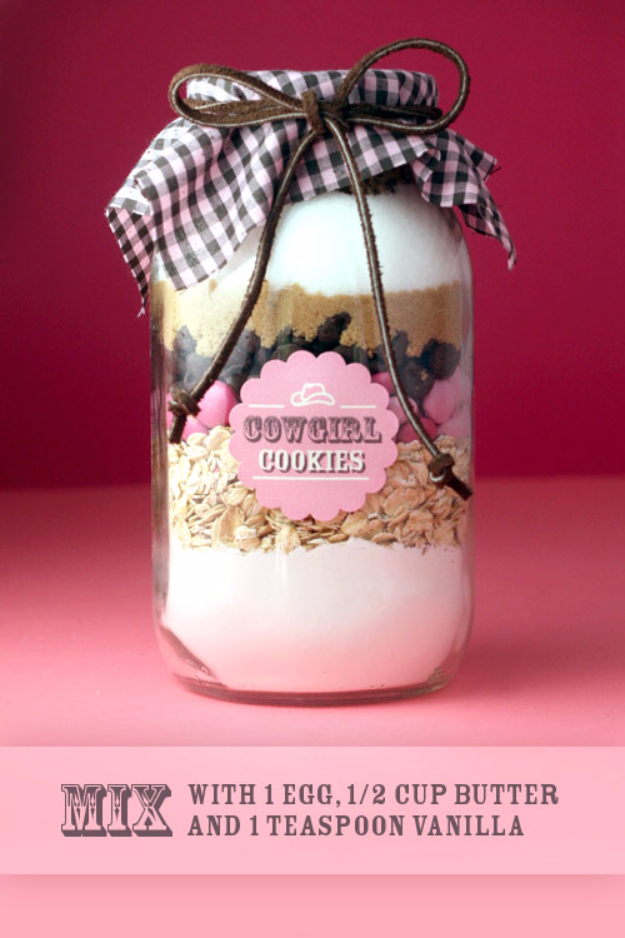 Best Mason Jar Cookies - Live Cozy Cookies In A Jar - Mason Jar Cookie Recipe Mix for Cute Decorated DIY Gifts - Easy Chocolate Chip Recipes, Christmas Presents and Wedding Favors in Mason Jars - Fun Ideas for DIY Parties and Cheap Last Minute Gift Ideas for Friends #diygifts #masonjarcrafts