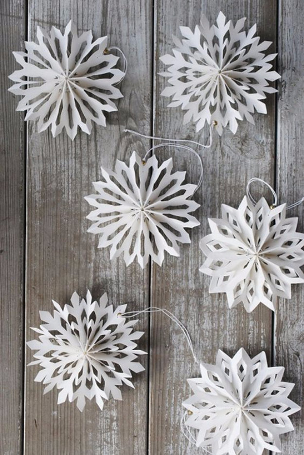 Best DIY Ideas for Wintertime - Medallion Snowflakes - Winter Crafts with Snowflakes, Icicle Art and Projects, Wreaths, Woodland and Winter Wonderland Decor, Mason Jars and Dollar Store Ideas - Easy DIY Ideas to Decorate Home and Room for Winter - Creative Home Decor and Room Decorations for Adults, Teens and Kids #diy #winter #crafts