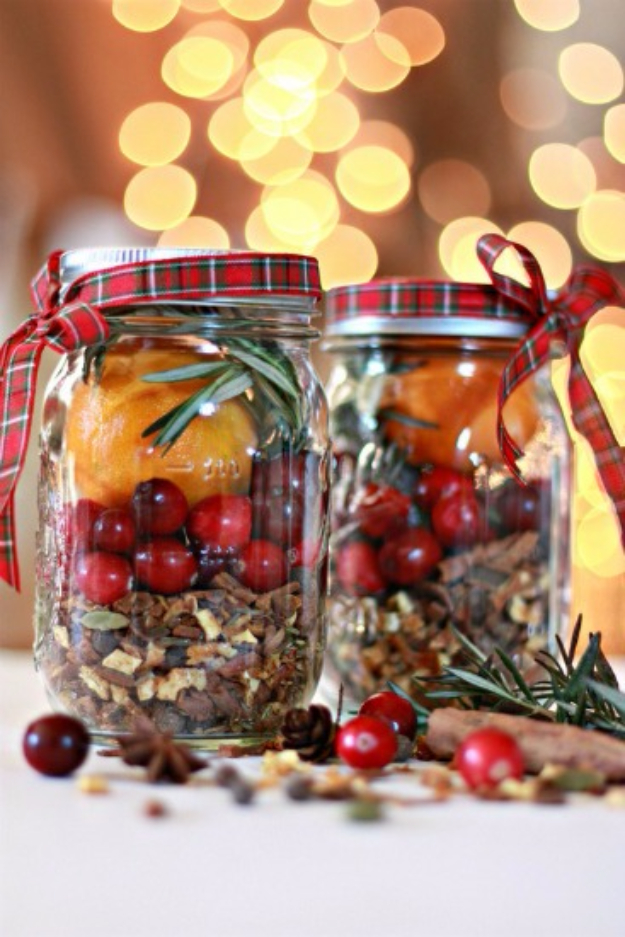 Best DIY Ideas for Wintertime - Mulling Spices Christmas In A Jar - Winter Crafts with Snowflakes, Icicle Art and Projects, Wreaths, Woodland and Winter Wonderland Decor, Mason Jars and Dollar Store Ideas - Easy DIY Ideas to Decorate Home and Room for Winter - Creative Home Decor and Room Decorations for Adults, Teens and Kids #diy #winter #crafts