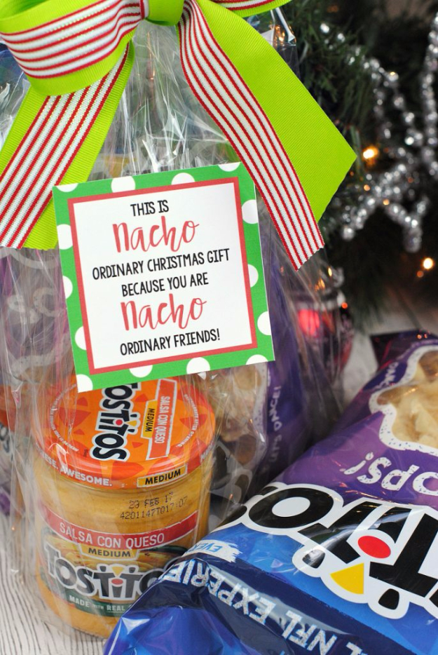 DIY Christmas Gifts for Friends - Nacho Neighbor Gift - Easy Housewarming Gift Baskets and Cheap and Easy Gift Ideas to Make for Friends - Do It Yourself Projects You Can Sew and Craft That Make Awesome DIY Gifts and Homemade Christmas Ideas