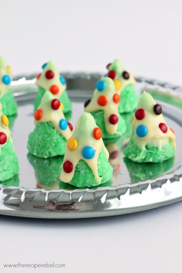 Best Recipes for Christmas Cookies- No Bake Christmas Tree Cookies - Easy Decorated Holiday Cookies - Candy Cookie Recipes Ideas for Kids - Traditional Favorites and Gluten Free and Healthy Versions - Quick No Bake Cookies and Last Minute Desserts for the Holidays