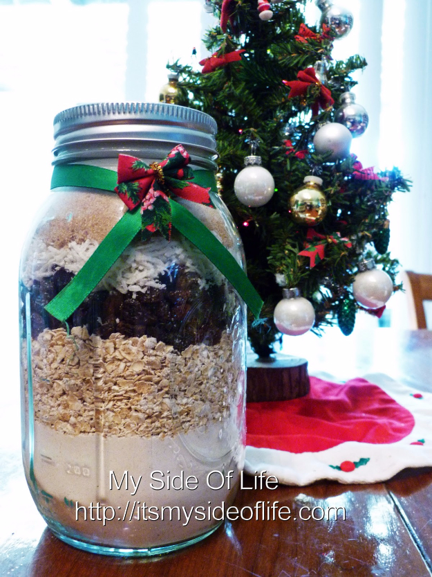 Best Mason Jar Cookies - Oatmeal Raisin Cookie Mix - Mason Jar Cookie Recipe Mix for Cute Decorated DIY Gifts - Easy Chocolate Chip Recipes, Christmas Presents and Wedding Favors in Mason Jars - Fun Ideas for DIY Parties and Cheap Last Minute Gift Ideas for Friends #diygifts #masonjarcrafts