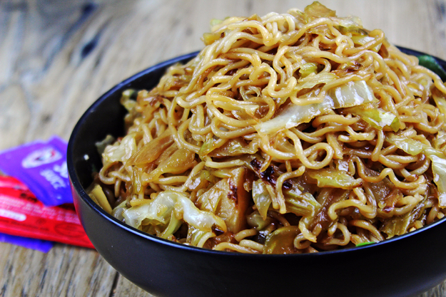 Best Copycat Recipes From Top Restaurants - Panda Express Chow Mein - Awesome Recipe Knockoffs and Recipe Ideas from Chipotle Restaurant, Starbucks, Olive Garden, Cinabbon, Cracker Barrel, Taco Bell, Cheesecake Factory, KFC, Mc Donalds, Red Lobster, Panda Express #recipes #copycat #dinnerideas
