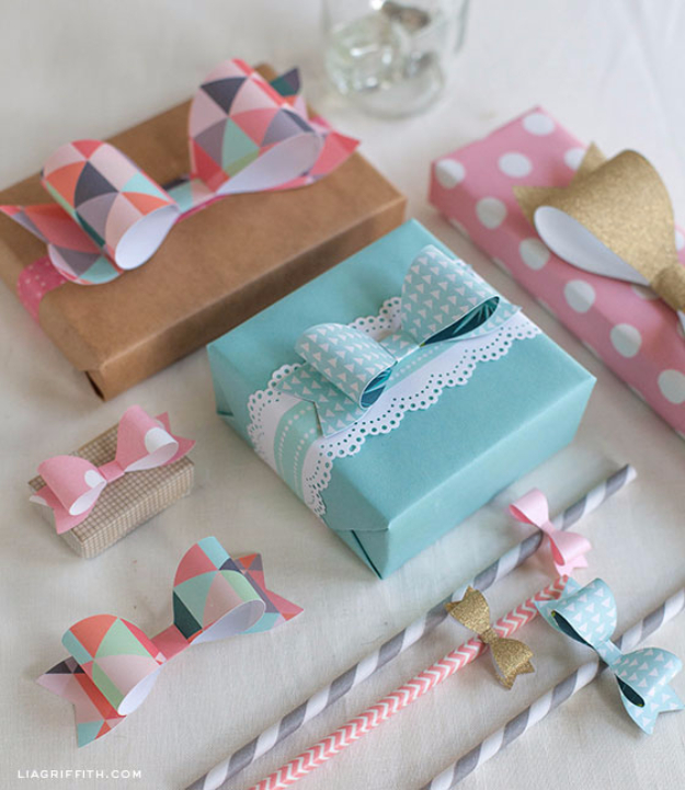 Cool Things to Make With Leftover Wrapping Paper - Paper Bows - Easy Crafts, Fun DIY Projects, Gifts and DIY Home Decor Ideas - Don't Trash The Christmas Wrapping Paper and Learn How To Make These Awesome Ideas Instead - Step by Step Tutorials With Instructions