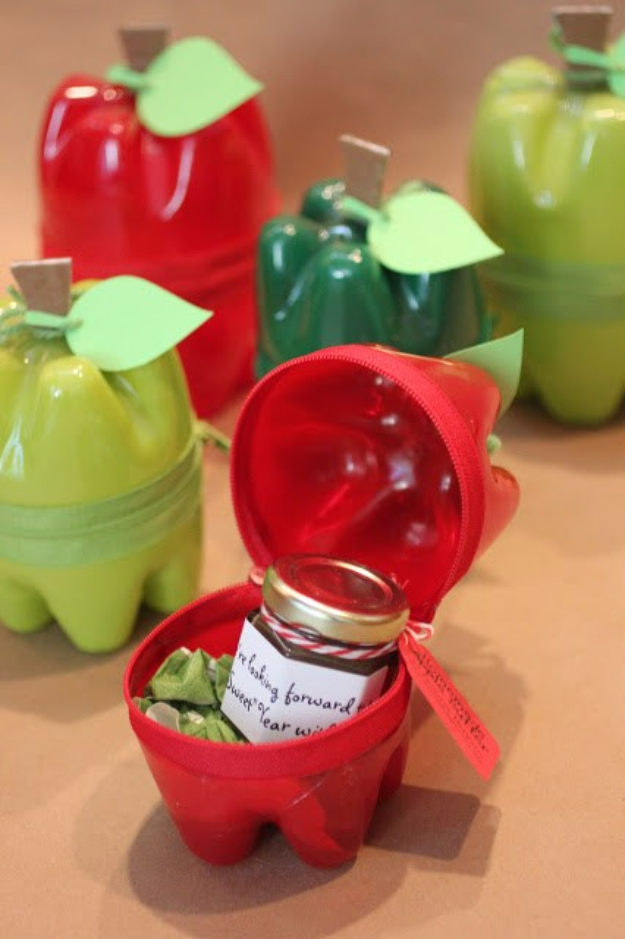 Cool DIY Projects Made With Plastic Bottles - Plastic Bottle Apple Containers - Best Easy Crafts and DIY Ideas Made With A Recycled Plastic Bottle - Jewlery, Home Decor, Planters, Craft Project Tutorials - Cheap Ways to Decorate and Creative DIY Gifts for Christmas Holidays - Fun Projects for Adults, Teens and Kids