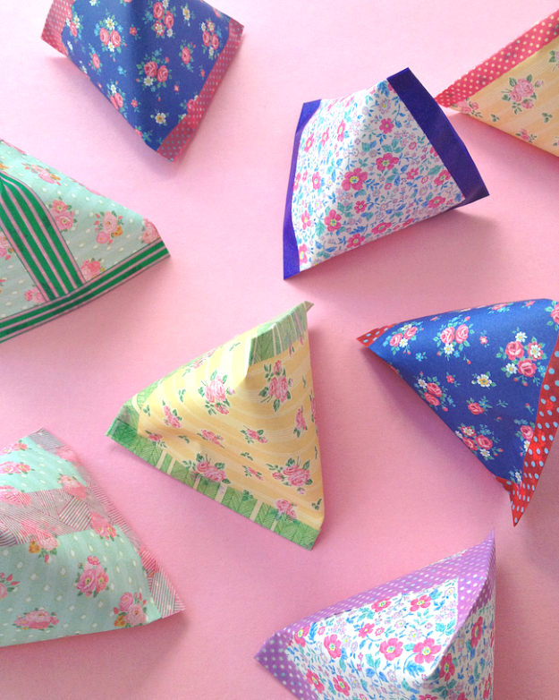 Cool Things to Make With Leftover Wrapping Paper - Pyramid Paper Pouches - Easy Crafts, Fun DIY Projects, Gifts and DIY Home Decor Ideas - Don't Trash The Christmas Wrapping Paper and Learn How To Make These Awesome Ideas Instead - Step by Step Tutorials With Instructions http://diyjoy.com/diy-projects-leftover-wrapping-paper