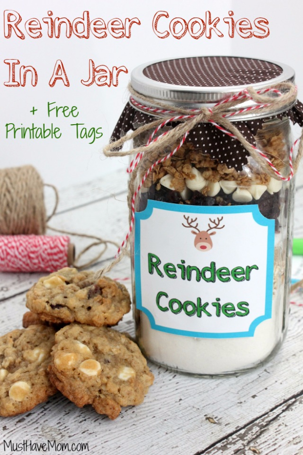 Best Mason Jar Cookies - Reindeer Cookies In A Jar - Mason Jar Cookie Recipe Mix for Cute Decorated DIY Gifts - Easy Chocolate Chip Recipes, Christmas Presents and Wedding Favors in Mason Jars - Fun Ideas for DIY Parties and Cheap Last Minute Gift Ideas for Friends #diygifts #masonjarcrafts