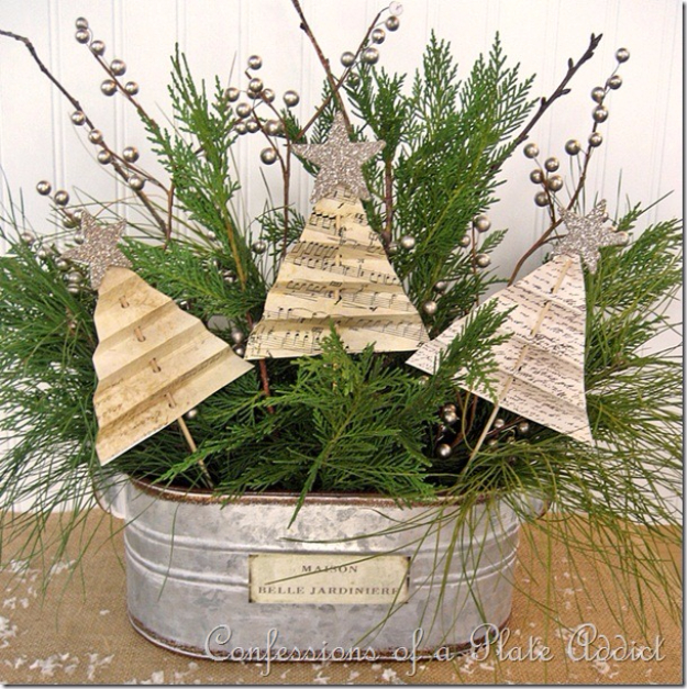 DIY Christmas Centerpieces - Shabby Christmas Centerpiece - Simple, Easy Holiday Decorating Ideas on A Budget- cheap dollar store crafts holiday #holiday #crafts #christmas