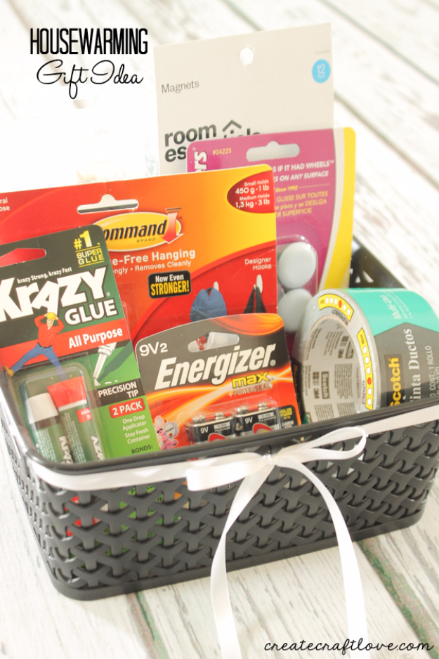 DIY Housewarming Gifts - Simple Housewarming Gift- Best Do It Yourself Gift Ideas for Friends With A New House, Home or Apartment - Creative, Cheap and Quick Crafts and DIY Ideas for Housewarming Presents - Mason Jar Gifts, Baskets, Gifts for Women and Men #diygifts #housewarming #diyideas #cheapgifts