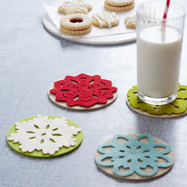 Best DIY Snowflake Decorations, Ornaments and Crafts - Snowflake Felt Coasters - Paper Crafts with Snowflakes, Pipe Cleaner Projects, Mason Jars and Dollar Store Ideas - Easy DIY Ideas to Decorate for Winter#winter #crafts #diy