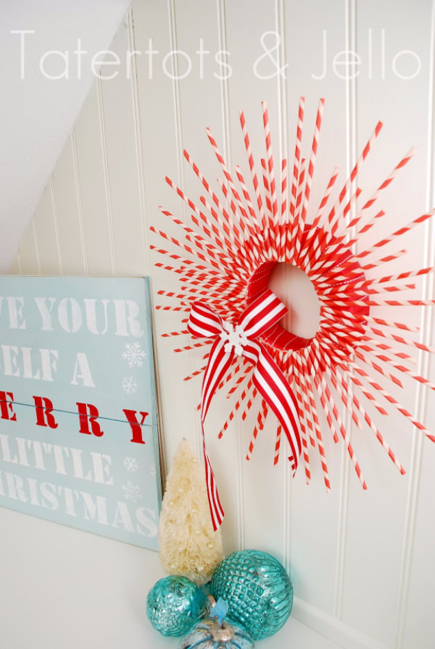 Best DIY Ideas for Wintertime - Striped Paper Straw Holiday Wreath - Winter Crafts with Snowflakes, Icicle Art and Projects, Wreaths, Woodland and Winter Wonderland Decor, Mason Jars and Dollar Store Ideas - Easy DIY Ideas to Decorate Home and Room for Winter - Creative Home Decor and Room Decorations for Adults, Teens and Kids #diy #winter #crafts