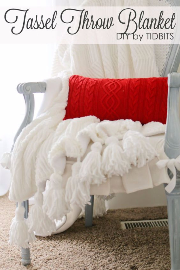 DIY Blankets and Throws - Tassel Throw Blanket DIY - How To Make Easy Home Decor and Warm Covers for Women, Kids, Teens and Adults - Fleece, Knit, No Sew and Easy Projects to Make for Bed and Sofa