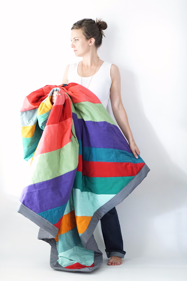 DIY Blankets and Throws - Upcycled Jeans Quilt - How To Make Easy Home Decor and Warm Covers for Women, Kids, Teens and Adults - Fleece, Knit, No Sew and Easy Projects to Make for Bed and Sofa - Creative Blanket Sewing Projects and Crafts http://diyjoy.com/diy-blankets-throws