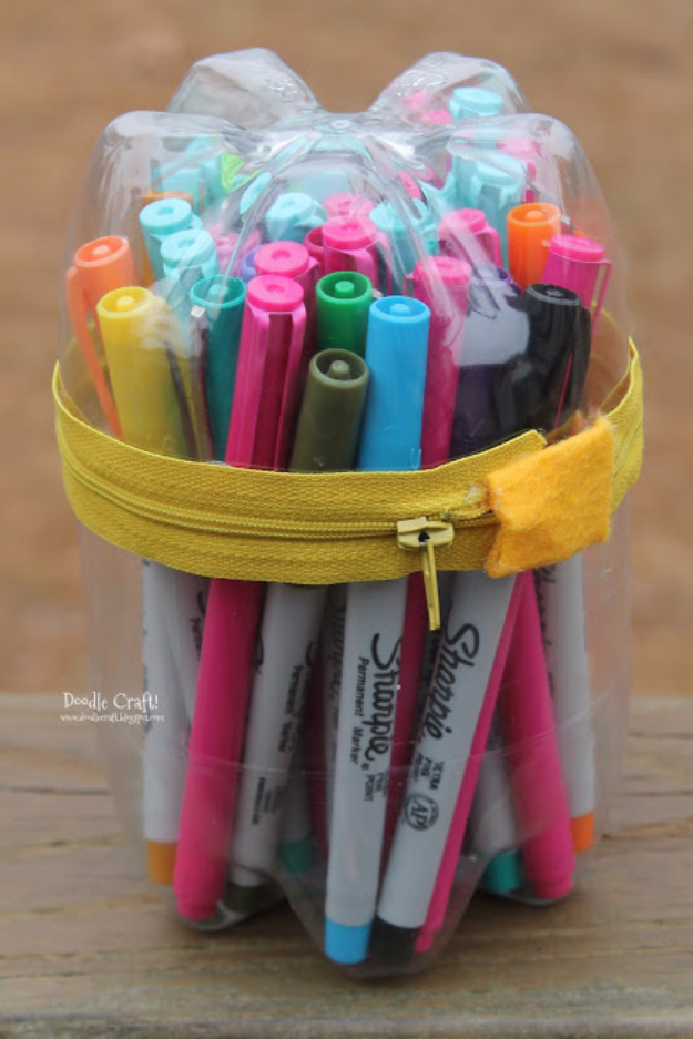 Cool DIY Projects Made With Plastic Bottles - Upcycled Soda Bottle Pencil Case - Best Easy Crafts and DIY Ideas Made With A Recycled Plastic Bottle - Jewlery, Home Decor, Planters, Craft Project Tutorials - Cheap Ways to Decorate and Creative DIY Gifts for Christmas Holidays - Fun Projects for Adults, Teens and Kids