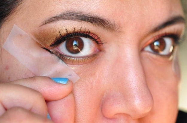 Cool DIY Makeup Hacks for Quick and Easy Beauty Ideas - Use Scotch Tape As An Eyeshadow Stencil - How To Fix Broken Makeup, Tips and Tricks for Mascara and Eye Liner, Lipstick and Foundation Tutorials - Fast Do It Yourself Beauty Projects for Women http://diyjoy.com/makeup-hacks