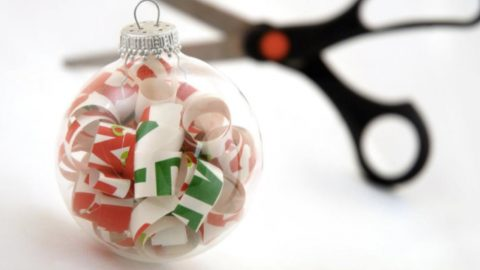 She Shows Us How To Make Easy Ornaments By Curling Wrapping Paper and Putting It Inside Clear Balls! | DIY Joy Projects and Crafts Ideas