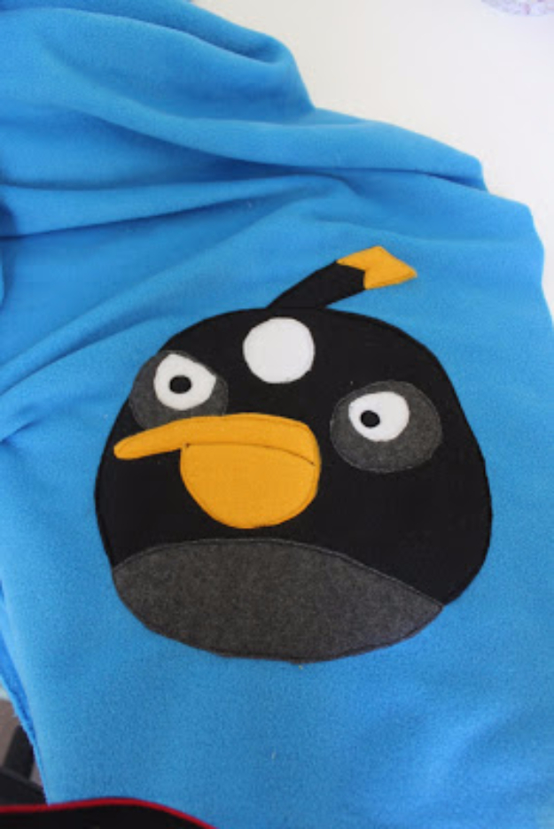 Best Sewing Projects to Make For Boys - Angry Birds Blanket - Creative Sewing Tutorials for Baby Kids and Teens - Free Patterns and Step by Step Tutorials for Jackets, Jeans, Shirts, Pants, Hats, Backpacks and Bags - Easy DIY Projects and Quick Crafts Ideas #sewing #kids #boys #sewingprojects