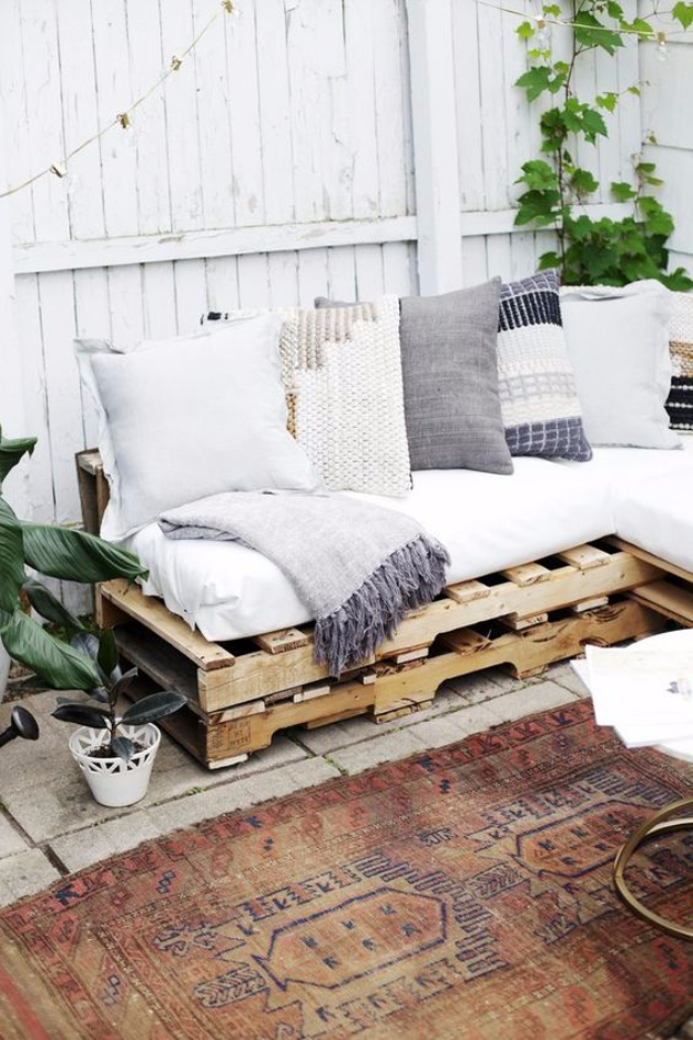 Best DIY Pallet Furniture Ideas - Couch Out Of Pallets - Cool Pallet Tables, Sofas, End Tables, Coffee Table, Bookcases, Wine Rack, Beds and Shelves - Rustic Wooden Pallet Furniture Made Easy With Step by Step Tutorials - Quick DIY Projects and Crafts by DIY Joy http://diyjoy.com/best-diy-pallet-furniture-ideas