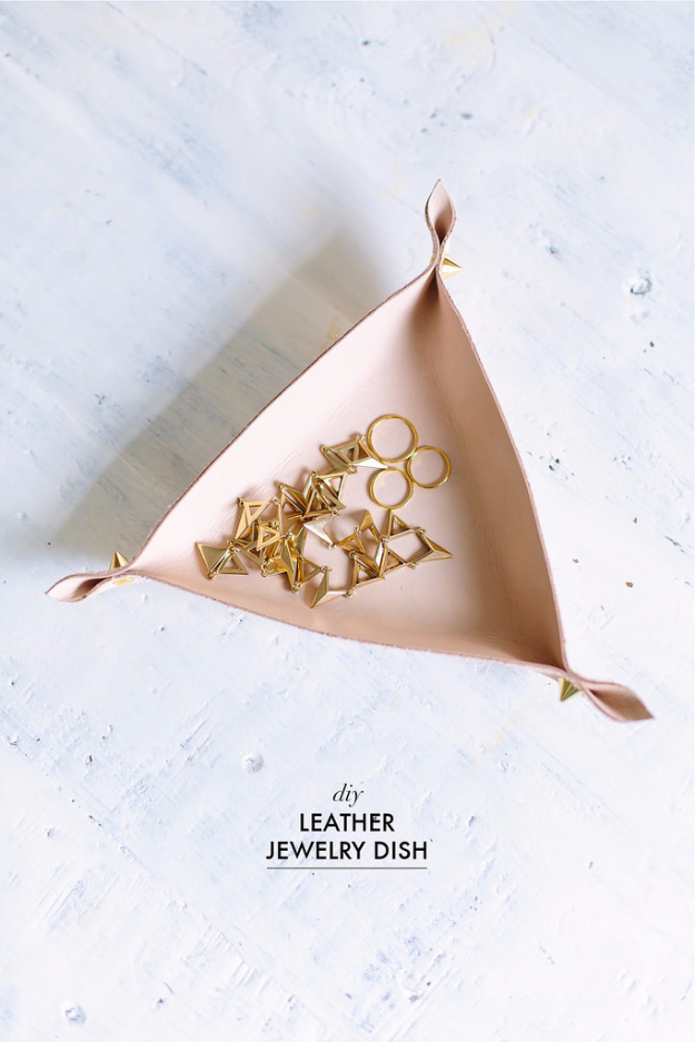 Creative Leather Crafts - DIY Leather Jewelry Dish - Best DIY Projects Made With Leather - Easy Handmade Do It Yourself Gifts and Fashion - Cool Crafts and DYI Leather Projects With Step by Step Tutorials http://diyjoy.com/diy-leather-crafts
