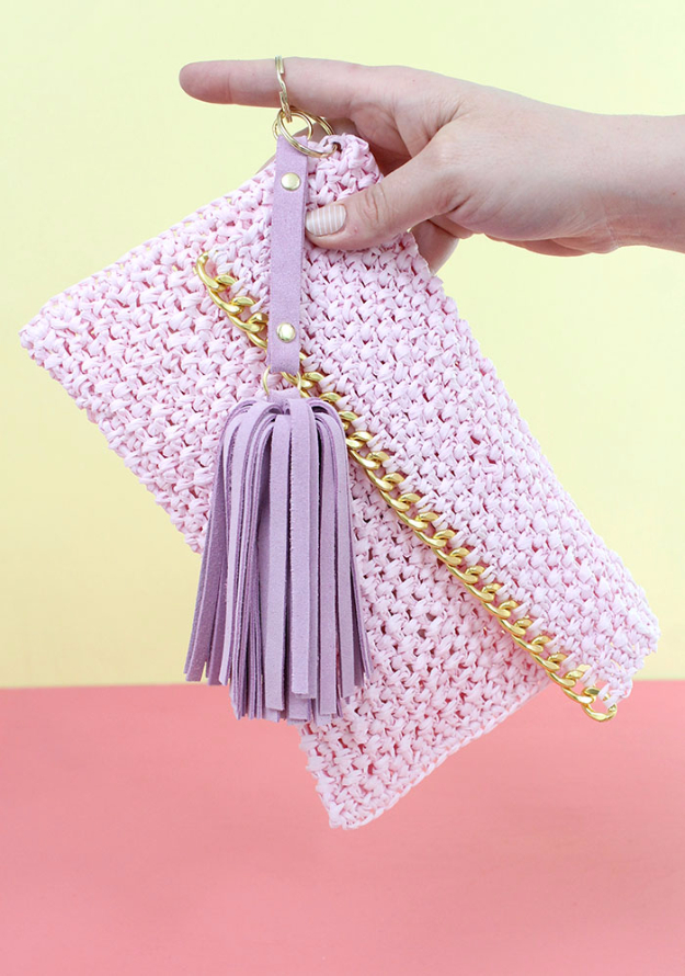 Creative Leather Crafts - DIY Leather Tassel Keychain - Best DIY Projects Made With Leather - Easy Handmade Do It Yourself Gifts and Fashion - Cool Crafts and DYI Leather Projects With Step by Step Tutorials http://diyjoy.com/diy-leather-crafts