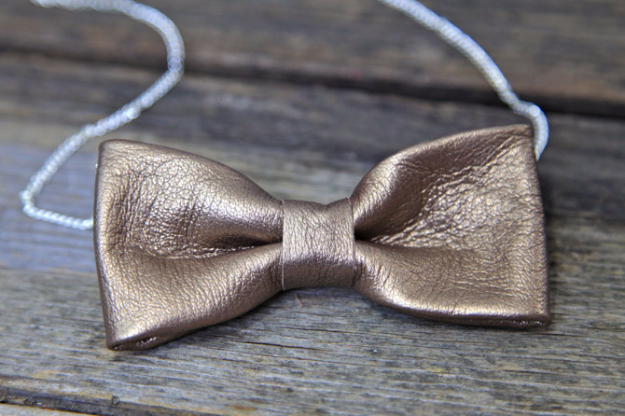 Creative Leather Crafts - DIY No Sew Leather Bow Necklace - Best DIY Projects Made With Leather - Easy Handmade Do It Yourself Gifts and Fashion - Cool Crafts and DYI Leather Projects With Step by Step Tutorials http://diyjoy.com/diy-leather-crafts