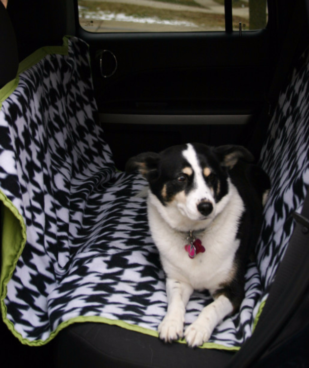 DIY Car Accessories and Ideas for Cars - Dog Car Seat Hammock - Interior and Exterior, Seats, Mirror, Seat Covers, Storage, Carpet and Window Cleaners and Products - Decor, Keys and Iphone and Tablet Holders - DIY Projects and Crafts for Women and Men
