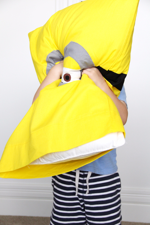 Best Sewing Projects to Make For Boys - Minion Pillowcase - Creative Sewing Tutorials for Baby Kids and Teens - Free Patterns and Step by Step Tutorials for Jackets, Jeans, Shirts, Pants, Hats, Backpacks and Bags - Easy DIY Projects and Quick Crafts Ideas #sewing #kids #boys #sewingprojects