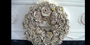 Watch How She Makes This Amazing Rolled Paper Roses Wreath!