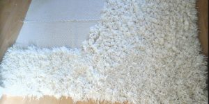 Watch How She Makes This Awesome Shaggy Rug From Scratch!