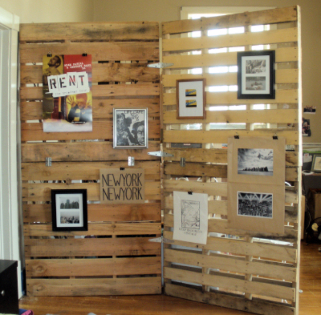 Best DIY Pallet Furniture Ideas - Wood Pallet Room Divider - Cool Pallet Tables, Sofas, End Tables, Coffee Table, Bookcases, Wine Rack, Beds and Shelves - Rustic Wooden Pallet Furniture Made Easy With Step by Step Tutorials - Quick DIY Projects and Crafts by DIY Joy http://diyjoy.com/best-diy-pallet-furniture-ideas