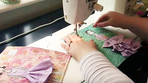 Art Quilt Tutorial: Girls In Their Fancy Dresses | DIY Joy Projects and Crafts Ideas
