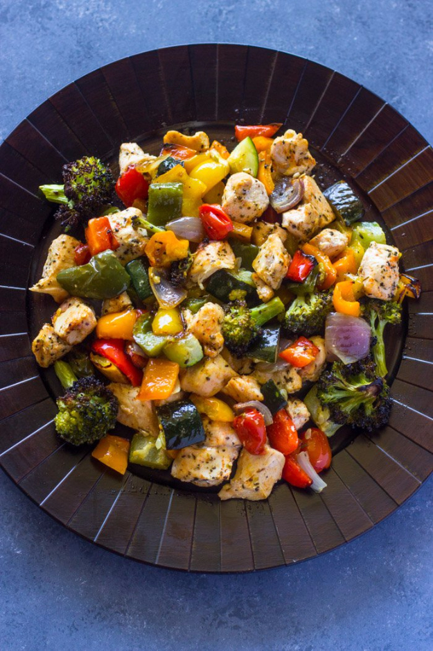 Quick and Healthy Dinner Recipes - 15 Minute Healthy Roasted Chicken and Veggies - Easy and Fast Recipe Ideas for Dinners at Home - Chicken, Beef, Ground Meat, Pasta and Vegetarian Options - Cheap Dinner Ideas for Family, for Two , for Last Minute Cooking #recipes #healthyrecipes