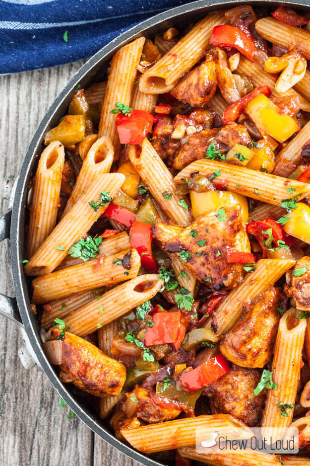 Quick and Healthy Dinner Recipes - 20 Minute One Pan Chicken Fajita Pasta - Easy and Fast Recipe Ideas for Dinners at Home - Chicken, Beef, Ground Meat, Pasta and Vegetarian Options - Cheap Dinner Ideas for Family, for Two , for Last Minute Cooking #recipes #healthyrecipes