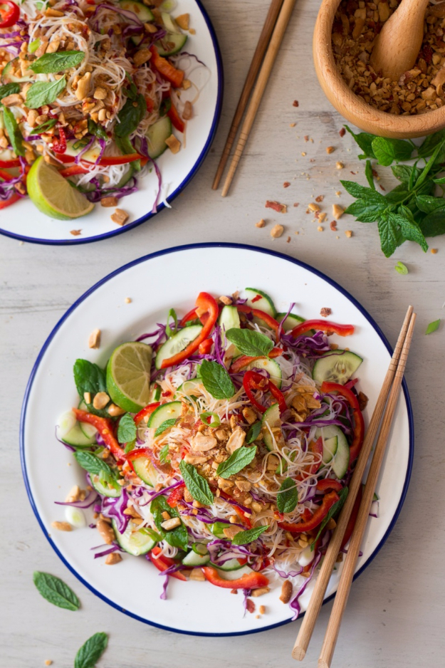 Quick and Healthy Dinner Recipes - Asian Vermicelli Salad With Peanuts - Easy and Fast Recipe Ideas for Dinners at Home - Chicken, Beef, Ground Meat, Pasta and Vegetarian Options - Cheap Dinner Ideas for Family, for Two , for Last Minute Cooking #recipes #healthyrecipes