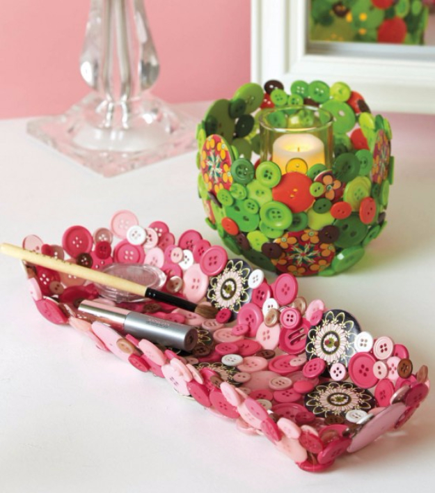 DIY Projects and Crafts Made With Buttons - Button Bowls And Trays - Easy and Quick Projects You Can Make With Buttons - Cool and Creative Crafts, Sewing Ideas and Homemade Gifts for Women, Teens, Kids and Friends - Home Decor, Fashion and Cheap, Inexpensive Fun Things to Make on A Budget http://diyjoy.com/diy-projects-buttons