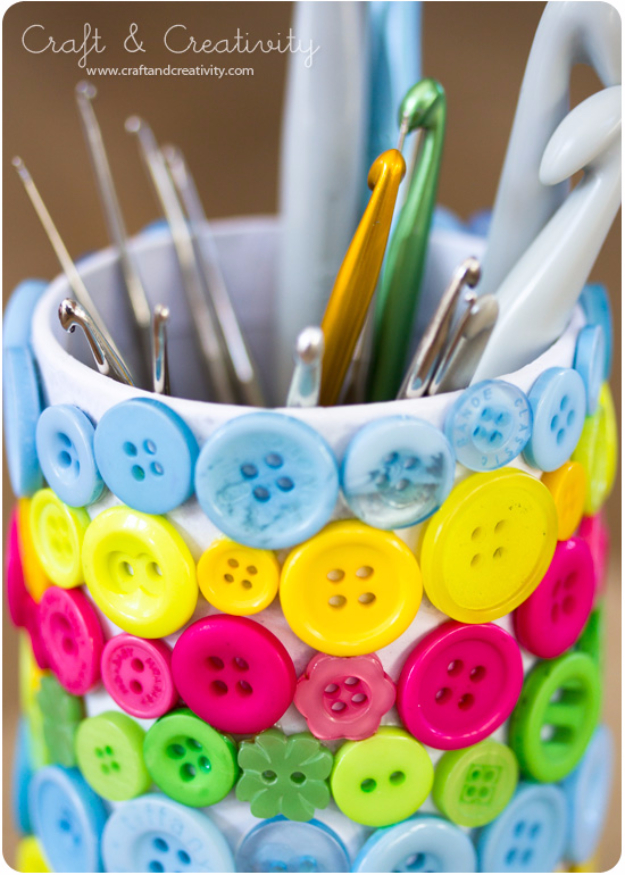 DIY Projects and Crafts Made With Buttons - Button Crafting Tools Holder - Easy and Quick Projects You Can Make With Buttons - Cool and Creative Crafts, Sewing Ideas and Homemade Gifts for Women, Teens, Kids and Friends - Home Decor, Fashion and Cheap, Inexpensive Fun Things to Make on A Budget
