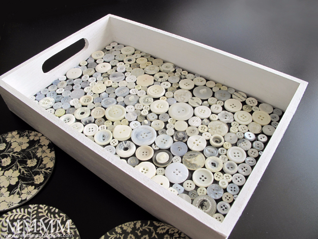DIY Projects and Crafts Made With Buttons - Button Tray - Easy and Quick Projects You Can Make With Buttons - Cool and Creative Crafts, Sewing Ideas and Homemade Gifts for Women, Teens, Kids and Friends - Home Decor, Fashion and Cheap, Inexpensive Fun Things to Make on A Budget