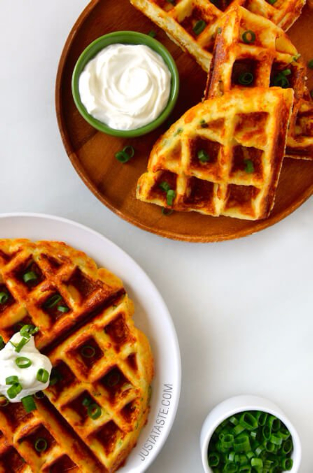 Waffle Iron Hacks and Easy Recipes for Waffle Irons - Cheesy Leftover Mashed Potato Waffles - Quick Ways to Make Healthy Meals in a Waffle Maker - Breakfast, Dinner, Lunch, Dessert and Snack Ideas - Homemade Pizza, Cinnamon Rolls, Egg, Low Carb, Sandwich, Bisquick, Savory Recipes and Biscuits http://diyjoy.com/waffle-iron-hacks-recipes