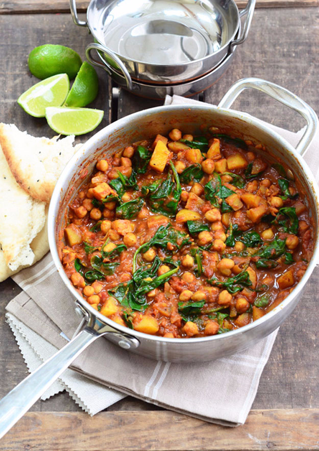 Quick and Healthy Dinner Recipes - Chickpea and Spinach Curry - Easy and Fast Recipe Ideas for Dinners at Home - Chicken, Beef, Ground Meat, Pasta and Vegetarian Options - Cheap Dinner Ideas for Family, for Two , for Last Minute Cooking #recipes #healthyrecipes