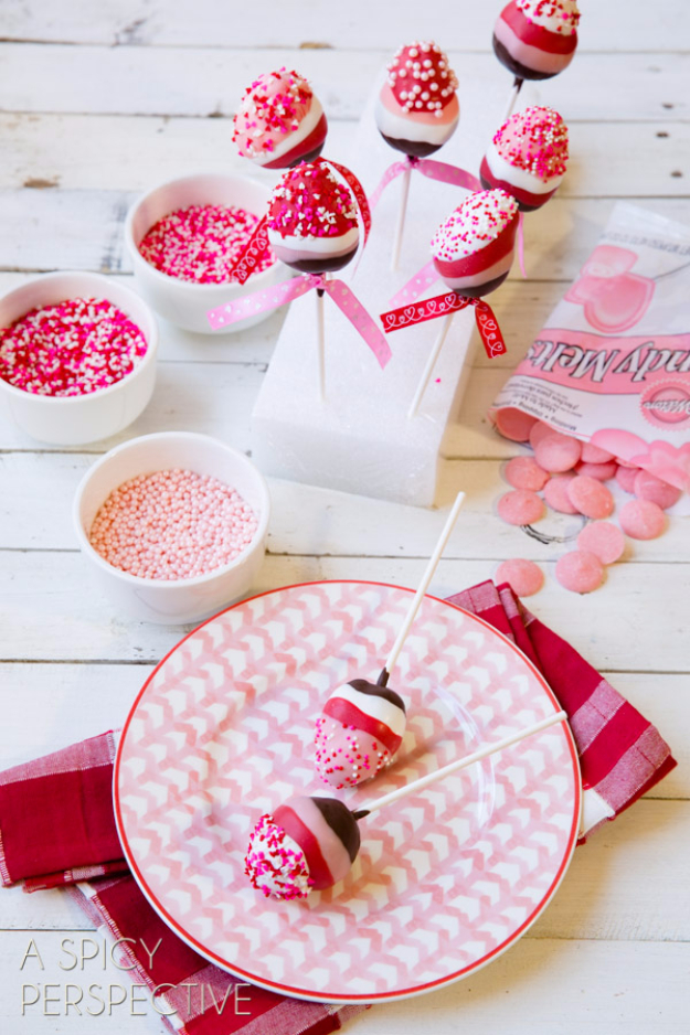 Best DIY Valentines Day Gifts - Chocolate Dipped Strawberry Pops - Cute Mason Jar Valentines Day Gifts and Crafts for Him and Her | Boyfriend, Girlfriend, Mom and Dad, Husband or Wife, Friends - Easy DIY Ideas for Valentines Day for Homemade Gift Giving and Room Decor | Creative Home Decor and Craft Projects for Teens, Teenagers, Kids and Adults