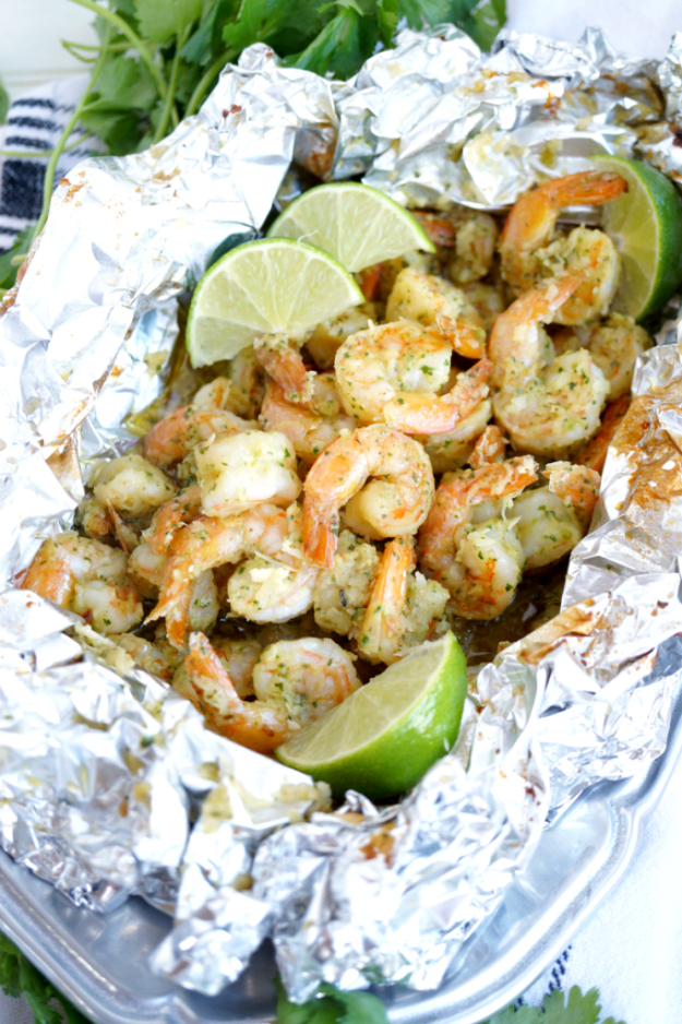 DIY Tin Foil Camping Recipes - Coconut Lime Shrimp Packets - Tin Foil Dinners, Ideas for Camping Trips healthy Easy Make Ahead Recipe Ideas for the Campfire. Breakfast, Lunch, Dinner and Dessert, #recipes #camping