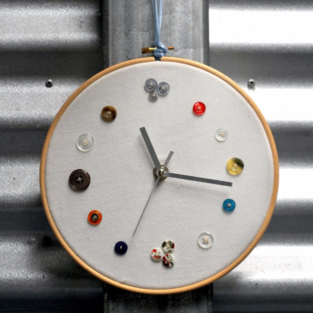 DIY Projects and Crafts Made With Buttons - DIY Button Clock - Easy and Quick Projects You Can Make With Buttons - Cool and Creative Crafts, Sewing Ideas and Homemade Gifts for Women, Teens, Kids and Friends - Home Decor, Fashion and Cheap, Inexpensive Fun Things to Make on A Budget