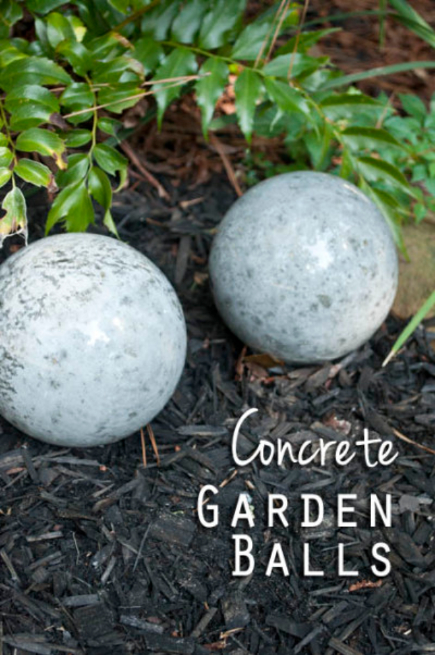 DIY Projects Made With Concrete - DIY Concrete Garden Balls - Quick and Easy DIY Concrete Crafts - Cheap and creative countertops and ideas for floors, patio and porch decor, tables, planters, vases, frames, jewelry holder, home decor and DIY gifts
