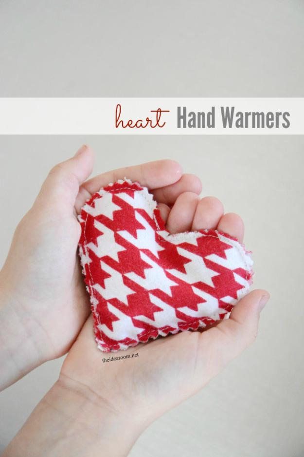 hand hearts craft - 600×900