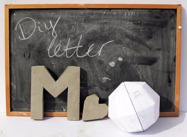 DIY Projects Made With Concrete - DIY Monogram Cement Letter - Quick and Easy DIY Concrete Crafts - Cheap and creative countertops and ideas for floors, patio and porch decor, tables, planters, vases, frames, jewelry holder, home decor and DIY gifts