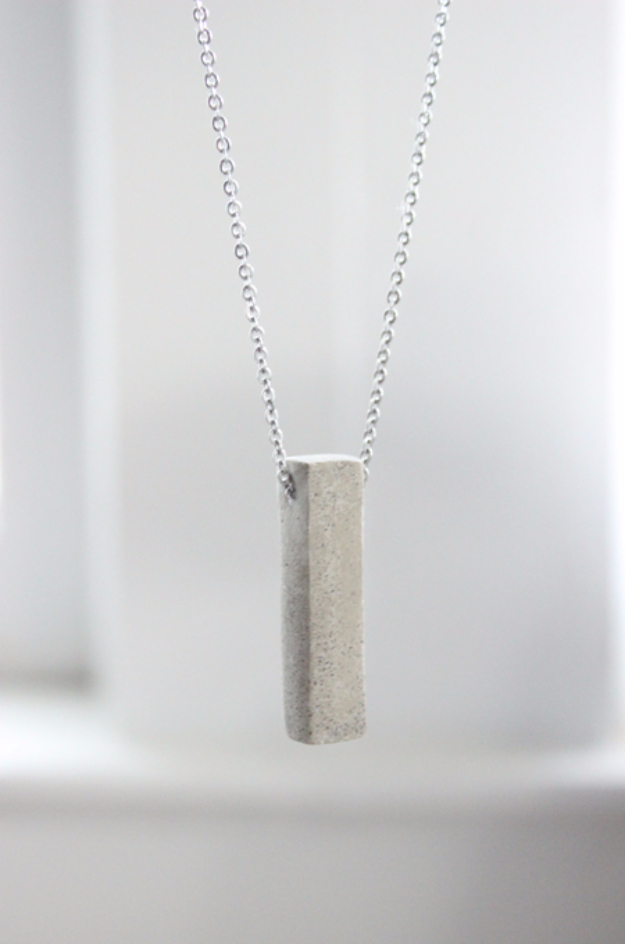 DIY Projects Made With Concrete - DIY Polished Concrete Necklace - Quick and Easy DIY Concrete Crafts - Cheap and creative countertops and ideas for floors, patio and porch decor, tables, planters, vases, frames, jewelry holder, home decor and DIY gifts