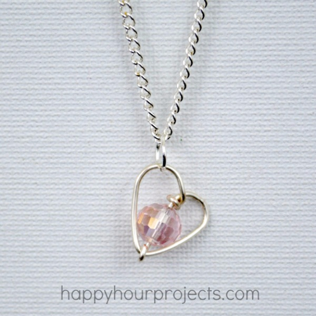 Best DIY Valentines Day Gifts - DIY Wire Wrapped Heart Necklace - Cute Mason Jar Valentines Day Gifts and Crafts for Him and Her | Boyfriend, Girlfriend, Mom and Dad, Husband or Wife, Friends - Easy DIY Ideas for Valentines Day for Homemade Gift Giving and Room Decor | Creative Home Decor and Craft Projects for Teens, Teenagers, Kids and Adults