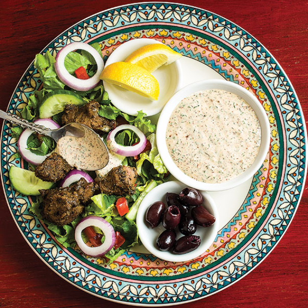 Healthy Lunch Ideas for Work - Deconstructed Gyro Salad - Quick and Easy Recipes You Can Pack for Lunches at the Office - Lowfat and Simple Ideas for Eating on the Job - Microwave, No Heat, Mason Jar Salads, Sandwiches, Wraps, Soups and Bowls http://diyjoy.com/healthy-lunch-ideas-work