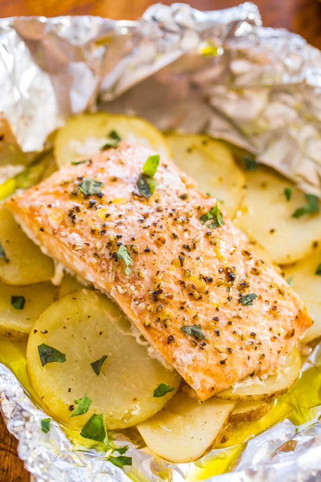 DIY Tin Foil Camping Recipes - Easy Salmon And Potato Foil Packets - Tin Foil Dinners, Ideas for Camping Trips healthy Easy Make Ahead Recipe Ideas for the Campfire. Breakfast, Lunch, Dinner and Dessert, #recipes #camping
